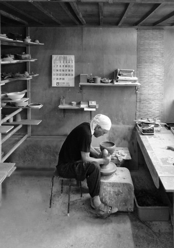 NARIEDA Shinichiro in seinem Atelier 2010